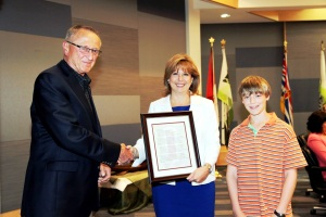Presentation to Mayor Diane Watts